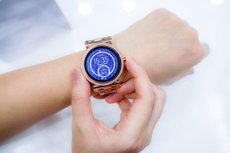 Idź z duchem czasu – trendy zegarkowe na najbliższy sezon