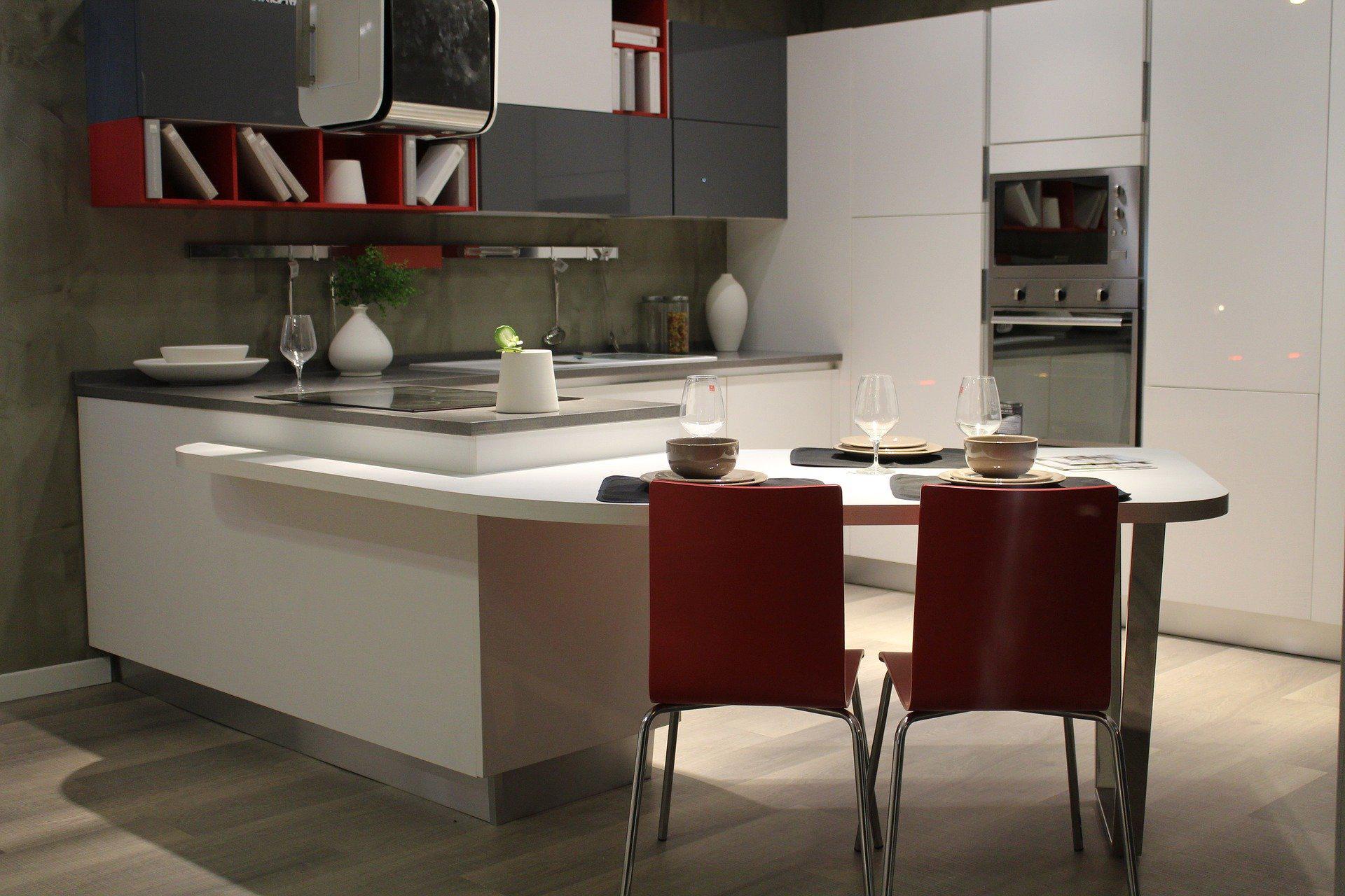 Mała kuchnia w bloku – jak ją urządzić?