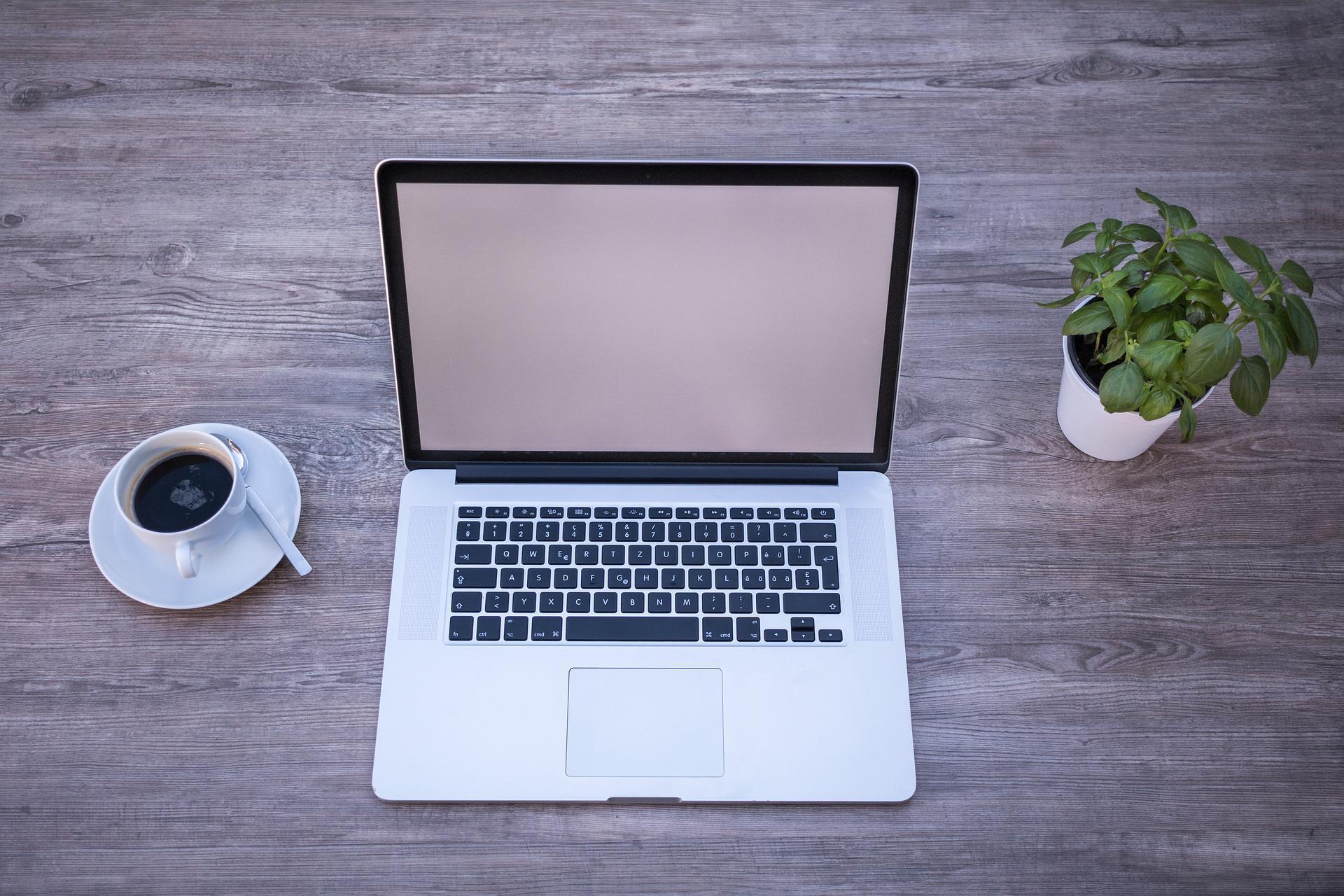 Home office, czyli jak stworzyć przestrzeń do pracy?